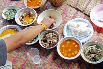spread of isan food